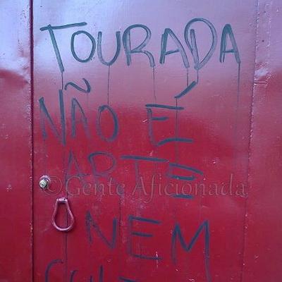graffiti em praca de touros